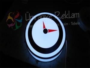 ışıklı pleksi saat